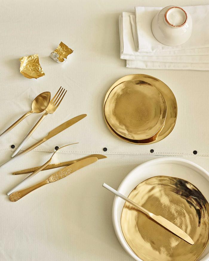 vajilla-cuberteria-oro-dorado